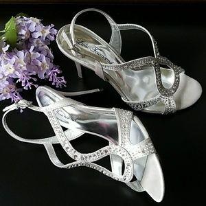 🌿Lulu Townsend Silver Heels with Rhinestones 🌿
